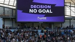 Kết quả, BXH bóng đá châu Âu: Tottenham thoát hiểm nhờ VAR, Depay rực sáng