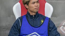 Công Phượng làm gì khi Sint-Truiden thua trận thứ 3 tại giải VĐQG Bỉ?