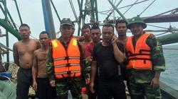 7 ngư dân được cứu khi tàu cá gặp nạn trên biển Cô Tô