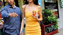 Học cách chinh phục kiểu váy tối giản nhưng khó mặc