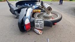CSGT bị tài xế xe máy không đội mũ bảo hiểm tông nứt xương chậu