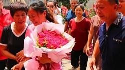 Khoảnh khắc người phụ nữ TQ bị bắt cóc khi lên 3 đoàn tụ gia đình sau 30 năm