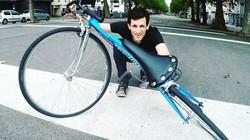 """Choáng với chiếc xe đạp có khả năng """"đánh võng"""" trên đường"""