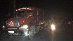 16 người bị thương trong vụ xe khách va chạm container ở Hưng Yên