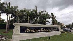 Ông Trump bác tin có rệp trong khu nghỉ dưỡng của mình, nạn nhân tức giận phản ứng