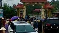 Vụ dân vây nhóm côn đồ phá cổng làng: Triệu tập 11 đối tượng