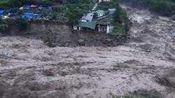 Ảnh hưởng bão số 4: Nguy cơ sạt lở lũ quét vùng núi, ngập úng đô thị