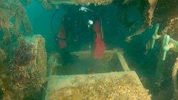 Bí mật bên trong chiến hạm Anh bị đắm 200 năm trước