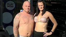 Chồng nổi đóa vì bị siêu thị cấm cởi trần còn vợ được diện bikini thoải mái