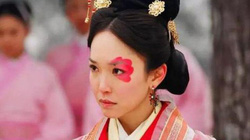 Chung Vô Diệm - Người đàn bà xấu ma chê quỷ hờn trở thành mẫu nghi thiên hạ