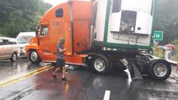 Tai nạn liên hoàn trên cao tốc Nội Bài - Lào Cai, 1 người thương nặng
