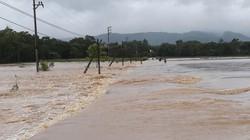 Miền Trung hứng chịu mưa lũ do áp thấp nhiệt đới, 1 người tử vong