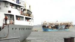 Tàu Hải quân tiếp nhận 41 ngư dân bị chìm trên biển Trường Sa
