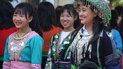 Rực rỡ sắc màu dân tộc trong ngày khai giảng ở Sơn La