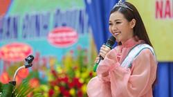 Ảnh: Á hậu Tường San về trường cũ khai giảng năm học mới