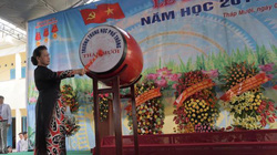Chủ tịch Quốc hội Nguyễn Thị Kim Ngân dự lễ khai giảng tại Đồng Tháp