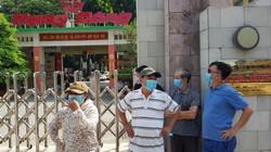 """Độc hại từ vụ cháy Rạng Đông: Ai đang """"vô trách nhiệm"""" với dân?"""