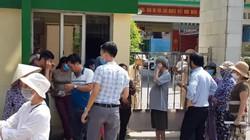 """Người dân """"vây"""" trụ sở Công ty Rạng Đông đòi chất vấn lãnh đạo"""