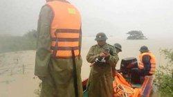 Phó chủ tịch huyện Tuyên Hóa kể hơn 1h ôm can vật lộn với lũ dữ trên sông Gianh