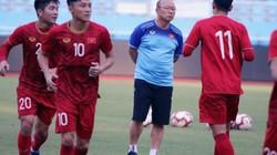 """""""Phù thủy"""" Hiddink nói điều bất ngờ khi đối đầu U22 Việt Nam"""