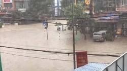 Thái Nguyên lại mưa lớn, nhiều nơi ngập sâu người dân phải chèo thuyền