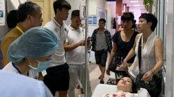 Clip: Văn Quyết, Quang Hải vào viện thăm nữ nhà báo bị bỏng vì trúng pháo