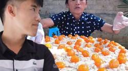"""Con trai bà Tân Vlog phân trần khi bị tố """"điêu, gian dối"""" trong clip làm bánh bông lan khổng lồ?"""