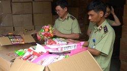 Clip: Bắt 50 tấn bánh kẹo, đồ chơi trung thu nhập lậu từ Trung Quốc