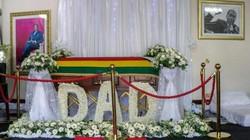 """Đám tang cựu Tổng thống Zimbabwe bị lật đổ trở thành """"chiến trường"""""""