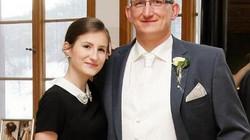 """Bố """"chết đứng"""" vì con gái 15 tuổi bỏ đi làm vợ ba chiến binh thánh chiến IS"""