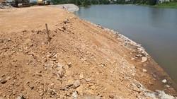 Hà Nội: Kè hơn 22 tỷ chưa nghiệm thu đã sạt lở do mưa!?