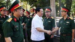 Phó Thủ tướng Vương Đình Huệ làm việc với Binh đoàn 15, 16