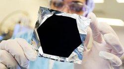 """Vô tình tạo ra vật thể đen nhất xưa nay, đen """"gấp 10 lần"""" vật đen nhất từng biết"""