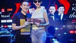 Xuân Lan tự lái xế hộp 2,5 tỷ đến ủng hộ Quang Hà tập hát
