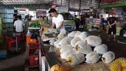 """Thương lái Trung Quốc: Họ là ai mà nông sản Việt """"ám ảnh""""?"""