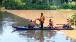 Đồng Tháp: Sẵn sàng ứng cứu khi lũ dâng cao, tai nạn chìm xuồng