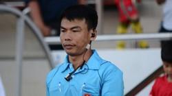 """Trọng tài """"bẻ còi"""" giúp Viettel đá bại B.Bình Dương tại Hàng Đẫy"""