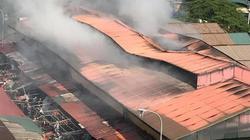 Cháy lớn ở chợ rộng hơn 1.000m2, tiểu thương hoảng loạn bỏ chạy