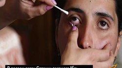 """Video: Đôi mắt biết """"sản xuất"""" pha lê của cô gái trẻ, mỗi ngày cho ra 50 mảnh"""