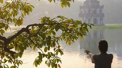 Người Hà Nội rủ nhau dậy sớm tận hưởng mùa thu ngày chớm lạnh