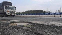 Cao tốc Đà Nẵng - Quảng Ngãi xuất hiện ổ gà VEC đổ lỗi tại trời mưa
