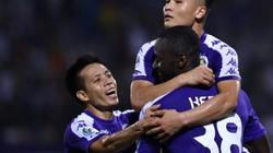 Clip: Ibou Kebe ghi bàn, CLB Hà Nội dẫn trước April 25