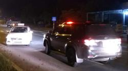 Nóng 24h qua: Vì sao tài xế liều lĩnh lao ra quốc lộ chặn đầu xe biển xanh?
