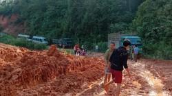 Kon Tum: Đường gần 500 tỷ mới bàn giao đã sạt lở, lầy lội