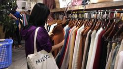 """Làm thế nào để mua cả """"đống"""" quần áo mà không bị """"thủng ví""""?"""