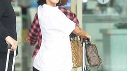 Nữ rapper Hàn Quốc diện mốt giấu quần ở sân bay