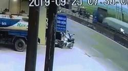 Thót tim xem clip tàu hỏa tông xe tải bẹp dúm, đứt văng 4 toa tàu ở Nghệ An