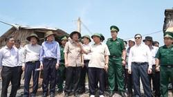 Thủ tướng thị sát 'điểm nóng' sạt lở tại ĐBSCL