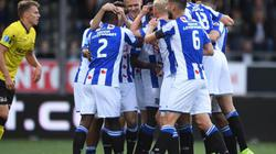 Văn Hậu dự bị, Heerenveen giải hạn bằng trận đại thắng