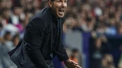 Atletico hòa nhạt Real ở trận derby, HLV Simeone bực bội với ai nhất?